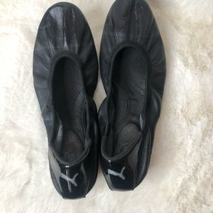 Puma Shoes - Puma Size 9.5 Scrunch Ballet Flats